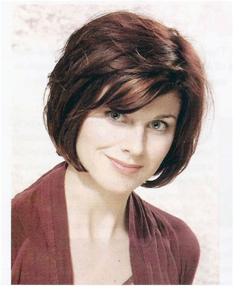 chin length layered bob with side bangs layered classic chin length bob hair style pinterest