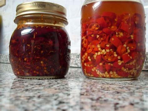 alimenti sott olio peperoncini sott olio sono a rischio botulino wdonna it