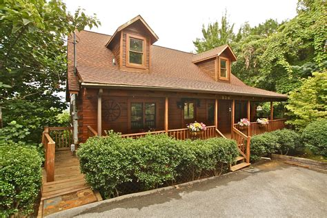Tennessee Gatlinburg Cabins by Spotted Fawn A 2 Bedroom Cabin In Gatlinburg Tennessee