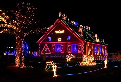 safety tips for automated holiday lighting uxari