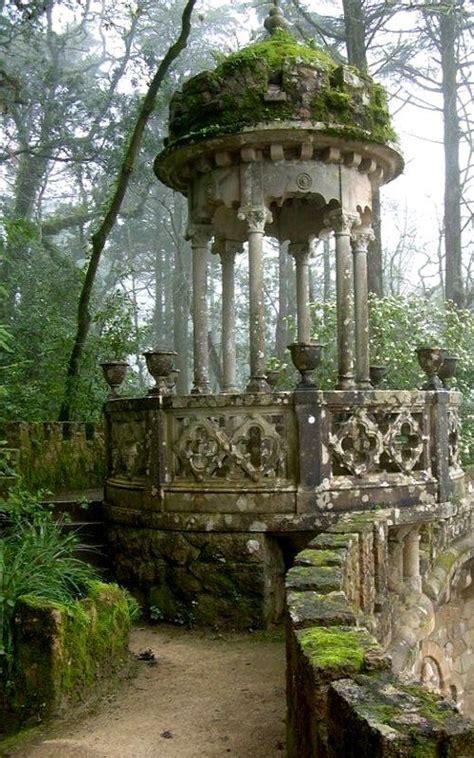garten der quinta da regaleira quinta da regaleira palace sintra portugal erlebe ein