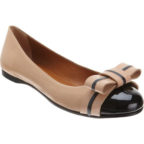 fendi flat shoes fendi bow ballet flat in beige lyst