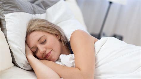 wie schlafen frauen miteinander nachtruhe wie viel schlaf braucht der mensch wissen