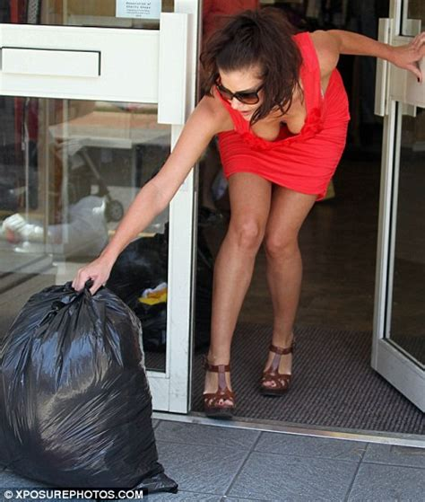 Getting A New Wardrobe by Imogen Gives Wardrobe To Charity To Clear Mind Daily Mail