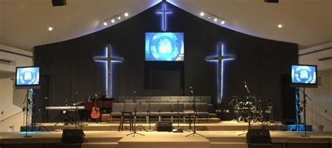 Awesome Lighting For Churches #2: Neon-Crosses-Stage-Design-1000x448.jpg