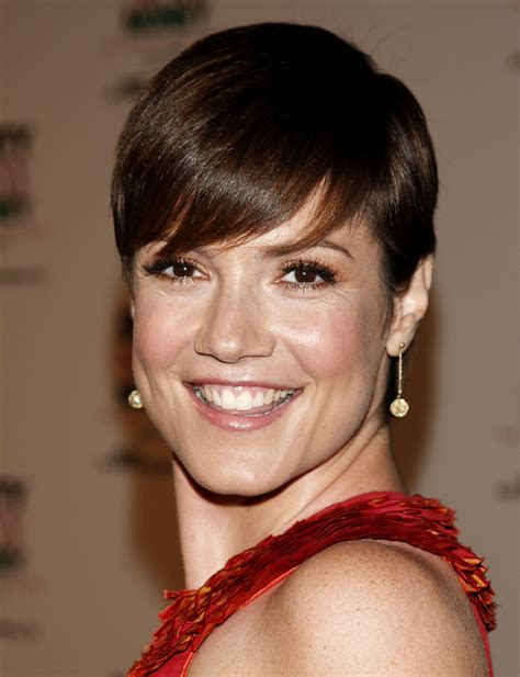 zoe mclellan haircut zoe mclellan celebrities galore pinterest zoe