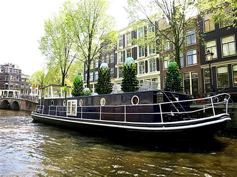 amsterdam house boat rentals sleep on a houseboat in amsterdam awesome amsterdam