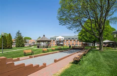 Apartments In Amityville Island Grounds
