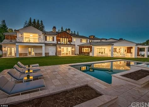 the weeknds house the weeknd scores an 18m mansion blocks from rival drake daily mail online