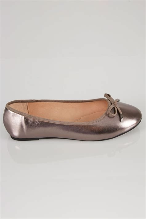 Po Address Finder Metallic Pewter Comfort Insole Ballerina Pumps In True Eee Fit