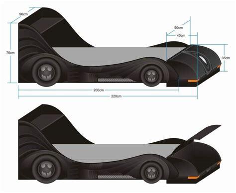 Batman Bedside L by M 225 S De 25 Ideas Incre 237 Bles Sobre Cama Batman En Sala De Batman Dormitorio Batman Y