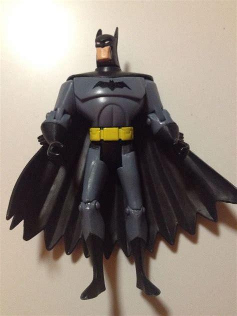Bantal Batman Tm Dc Comics batman s03 tm and dc comics grey black cape yellow belt 5 quot dc comics yellow and grey