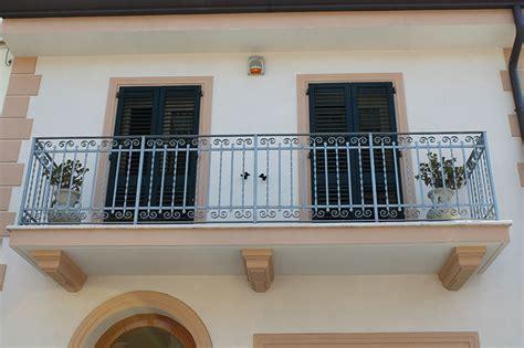terrazzi con ringhiera ringhiere per scale terrazzi per la tua casa