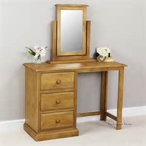 Pine Vanity Table Cheshire Solid Pine Pedestal Dressing Table Vanity Mirror Set