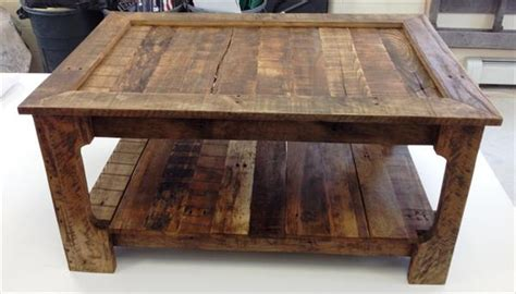 Rustic Coffee Table from Shipping Pallets   101 Pallets