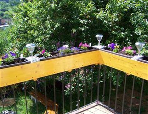 Hängematte Am Balkon Befestigen by Blumenkasten Als Gel 228 Nderaufsatz F 252 R Den Balkon