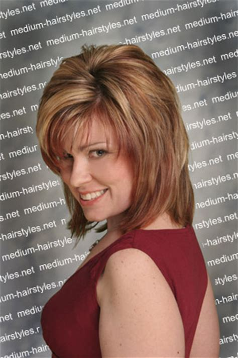 flattering hairstyles for double chins flattering bob haircuts to hide a double chin short