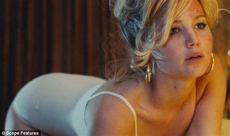 Jennifer Lawrence Crawls Around In Underwear In American Hustle Stills Daily Mail Online