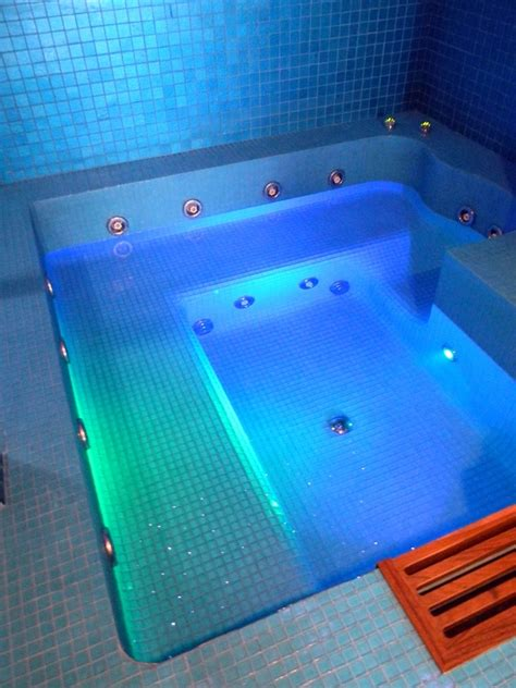 foto vasca idromassaggio foto vasca idromassaggio in eps di blue magic srl 109169