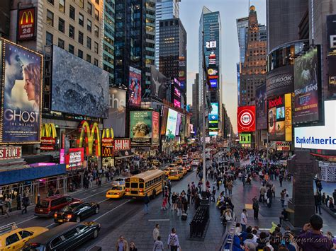 shopping dress di times square new york principales attractions