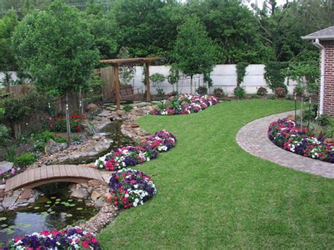 Backyard Easy Landscaping Ideas Gardening Landscaping Easy Landscaping For Beginners Interior Decoration And Home Design