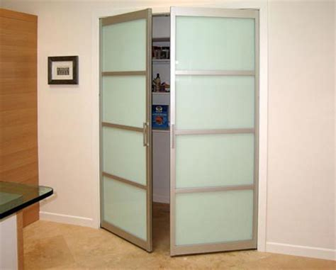 Swinging Closet Doors Swing Doors