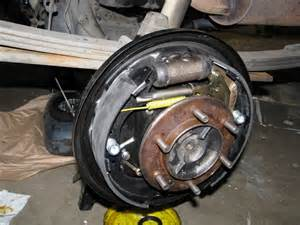Toyota Tundra Brakes 2000 Tundra Rear Brakes Leaking Diff Page 2