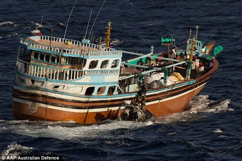 fishing boat online india smugglers in rusty boat caught with tonnes of heroin