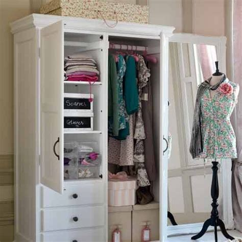 Wardrobe In Room by Plan An Organised Wardrobe How To Create The
