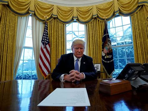resolute desk trump democrats solidify their lead in midterm elections matchup