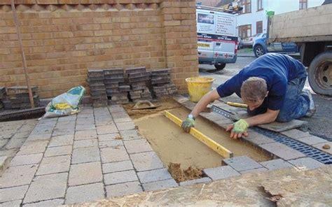montaggio piastrelle mattonelle per esterno mosaici e mattonelle tipologie