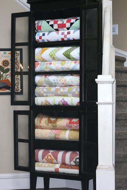 Quilt Storage Cabinets A Great Way To Display Quilts Quilts