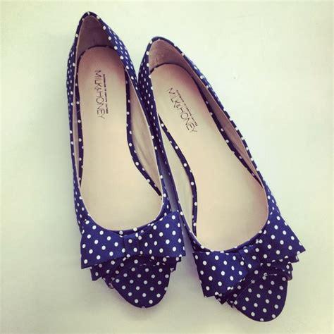 Flatshoes Polkadot navy polka dot flats flats sandals