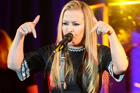 Anastacia Gets On by Breakfast Gets Saucy As Anastacia Sneaks Up On