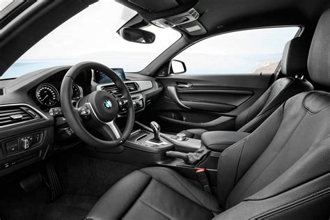 Bmw 2 Interior by Bmw 2 Series Coupe And Convertible Facelift Unveiled Autodevot