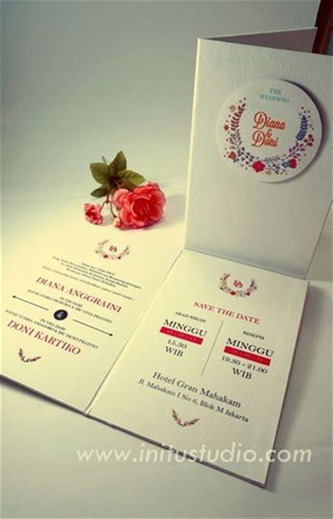 Papery Wedding Invitation Bandung by White Floral Pop Up Invitation Gt Http Initustudio
