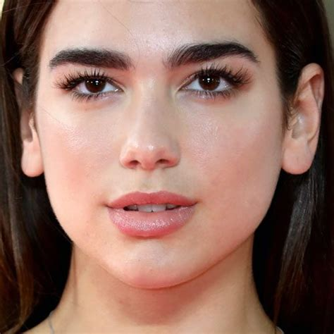 dua lipa lips dua lipa makeup black eyeshadow brown eyeshadow clear