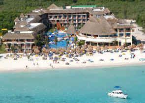 grand coco bay beach resort  reef coco beach resort