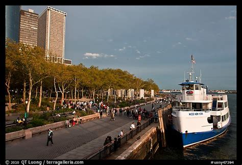 boat battery park picture photo tour boat along battery park evening nyc