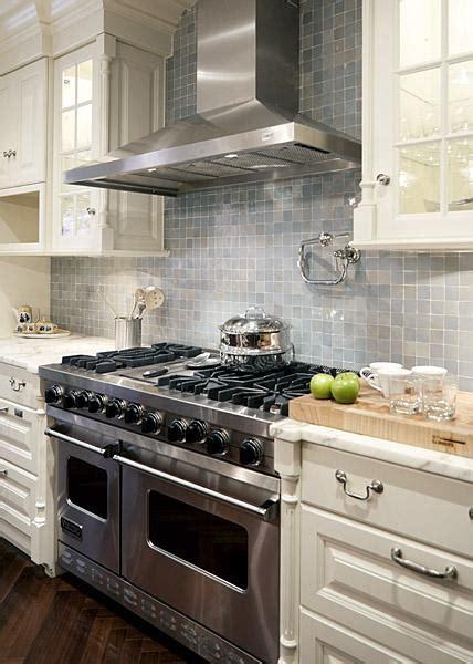 backsplash for ivory kitchen cabinets kitchen cabinets contemporary kitchen erik goldstein photography