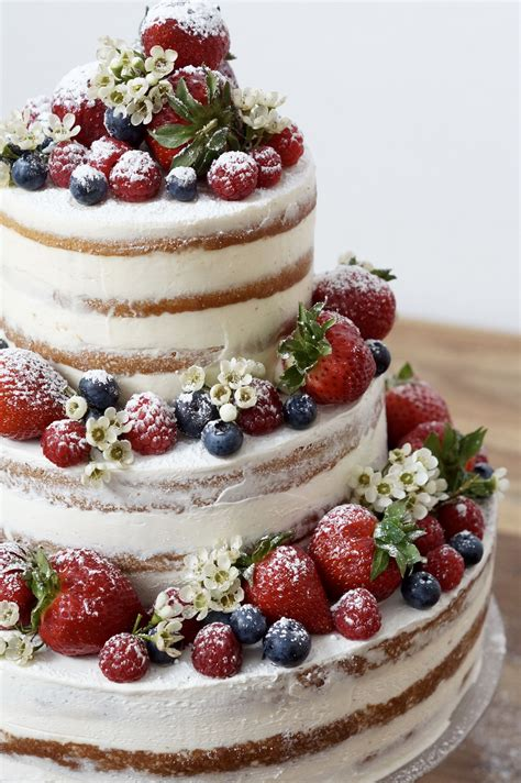 pin wedding cakes30 cake on pinterest naked cake mit beeren hochzeitstorte selber machen