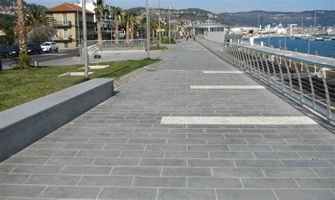mattonelle per terrazzi esterni prezzi pavimenti per esterni guida alla scelta