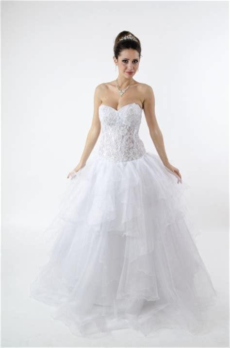Choose The Best Bridal Underwear & Lingerie For Under Your