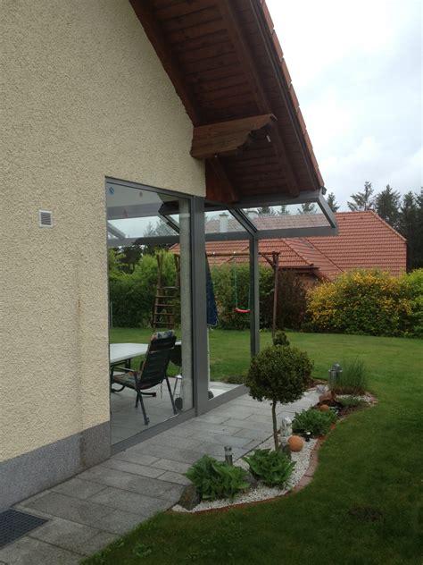 Terrassenüberdachung Mit Balkon by Terrassen 252 Berdachung Balkon Windschutz Mit