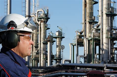 Refinery Operator by Production And Maintenance Manpower For And Gas Sector