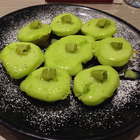 Kue Kacang Green Tea Original makanan unik dengan rasa green tea