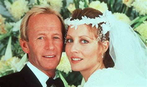 mr and mrs croc dundee are done paul hogan and linda s