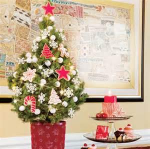 miniature tabletop christmas tree decorating ideas