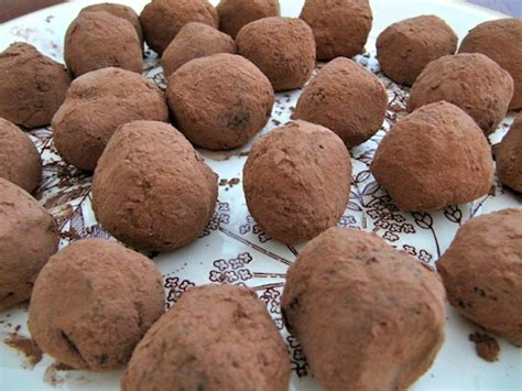 easy chocolate truffles megan miln