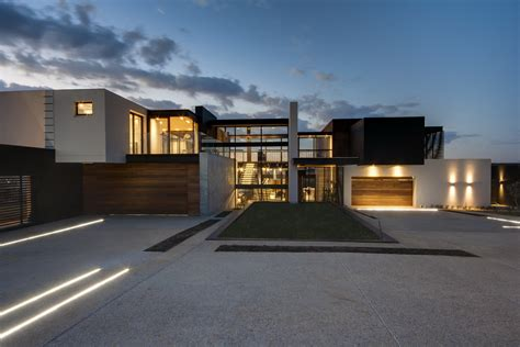 house architects spacious and luxurious house boz in south africa by nico
